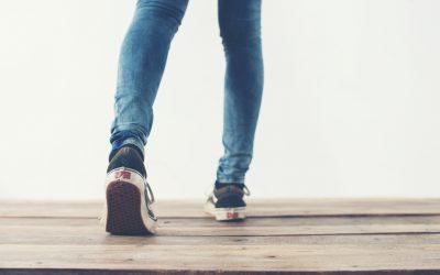 Rückwärtsgehen – eine Übung für Körper und Geist